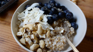 Beachbody-Blog-SteelCut-Blueberry-Coconut