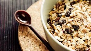 Beachbody Blog healthy granola with raisins recipe.