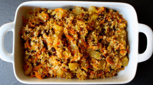 Bulgur fruit stuffing recipe with apples, carrots, and currants