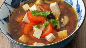Hot and sour soup recipe with shiitake mushrooms, tomato, and tofu