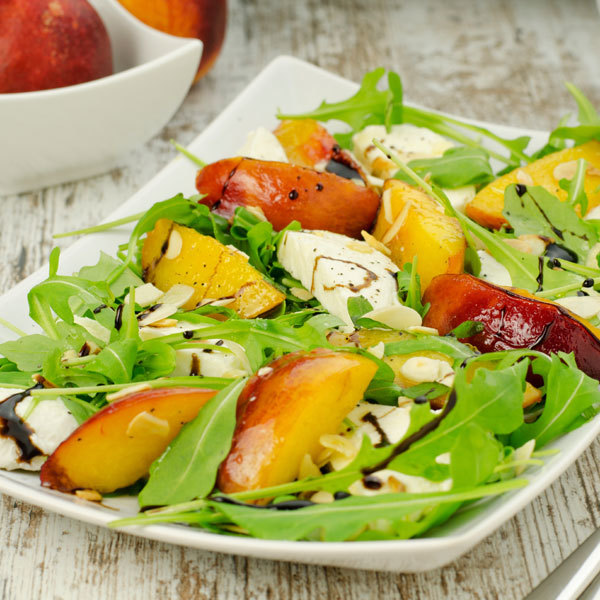 arugula salad with peaches and mozzarella