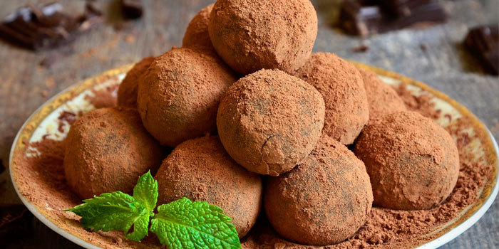 Mint chocolate Truffles, Healthy Holidays, Melanie MItro