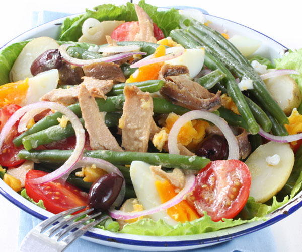 Salad Niçoise Recipe | BeachbodyBlog.com