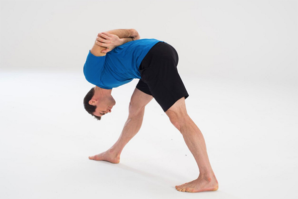 9-Yoga-Stretches-to-Increase-Flexibility-Pyramid