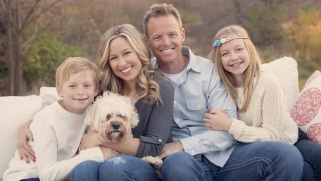 The_Graue_Family_resiezed_ucr3pj