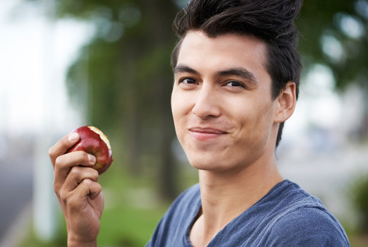 Should You Avoid Fruit Guy eating apple