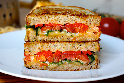 Grilled cheese with gouda and roasted red peppers