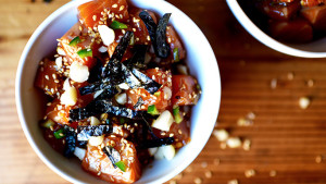Salmon Poke with Macademia Nuts | BeachbodyBlog.com