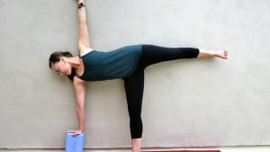 8 yoga moves to strengthen knees  the beachbody blog