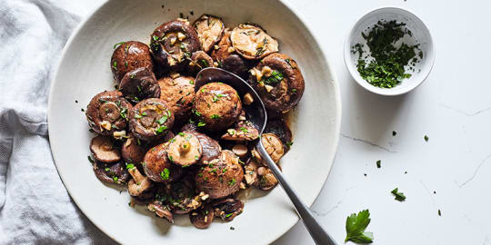 Slow Cooker Mushrooms with Garlic and Herbs