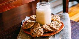 Oatmeal Raisin Cookie Shake