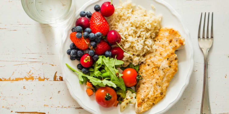Nutrients 101: What's Essential for a Healthy Diet | BeachbodyBlog.com