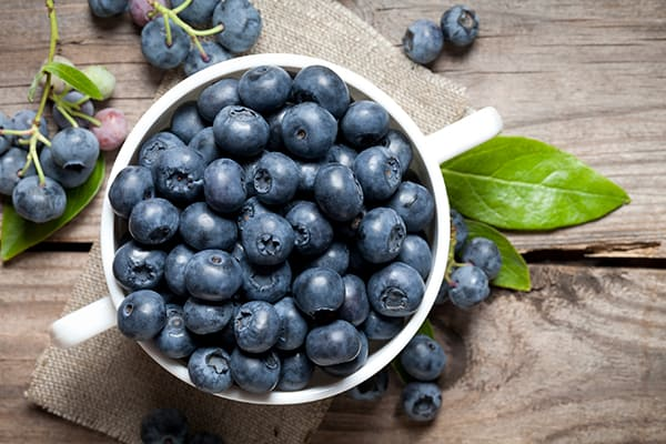 8-Must-Have-Superfoods-for-Every-Shopping-List-Blueberries