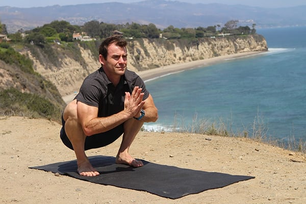 6-Yoga-Poses-For-Strong-and-Lean-Legs-Squat