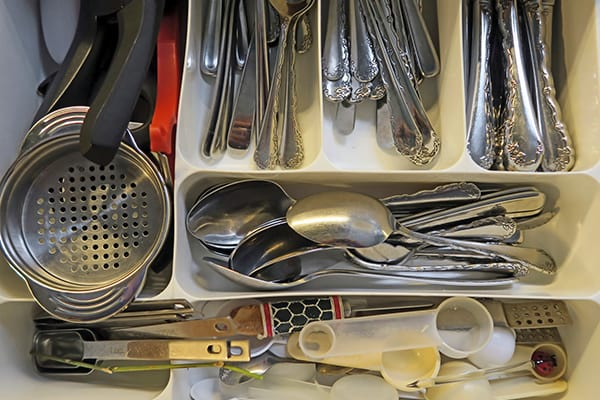 How to Declutter Your Kitchen in 6 Easy Steps