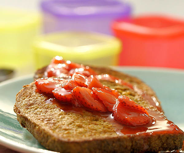 FIXATE Valentine's Day Recipes - French Toast with Strawberry Topping