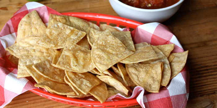Baked-Corn-Tortilla-Chips_ydwk5v