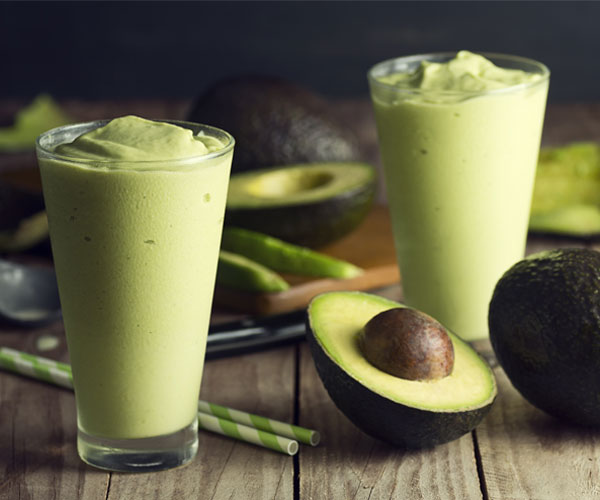Mint and Avocado Green Smoothie Recipe | BeachbodyBlog.com