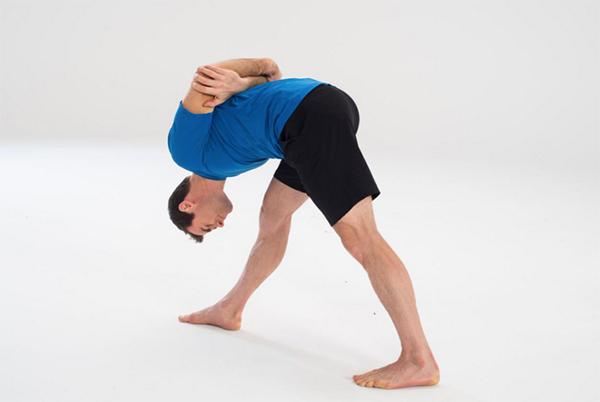 9-Yoga-Stretches-to-Increase-Flexibility-Pyramid