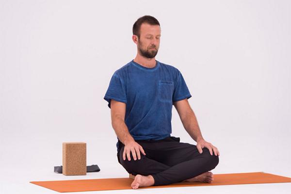 9-Yoga-Stretches-to-Increase-Flexibility-Easy