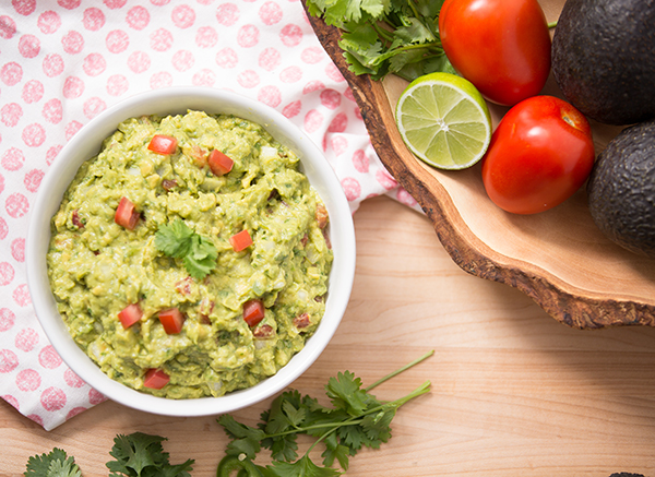 Guacamole FIXATE Game Day Recipes // healthy game day snacks