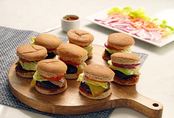Vegetarian Portobello Sliders FIXATE Game Day // healthy game day snacks